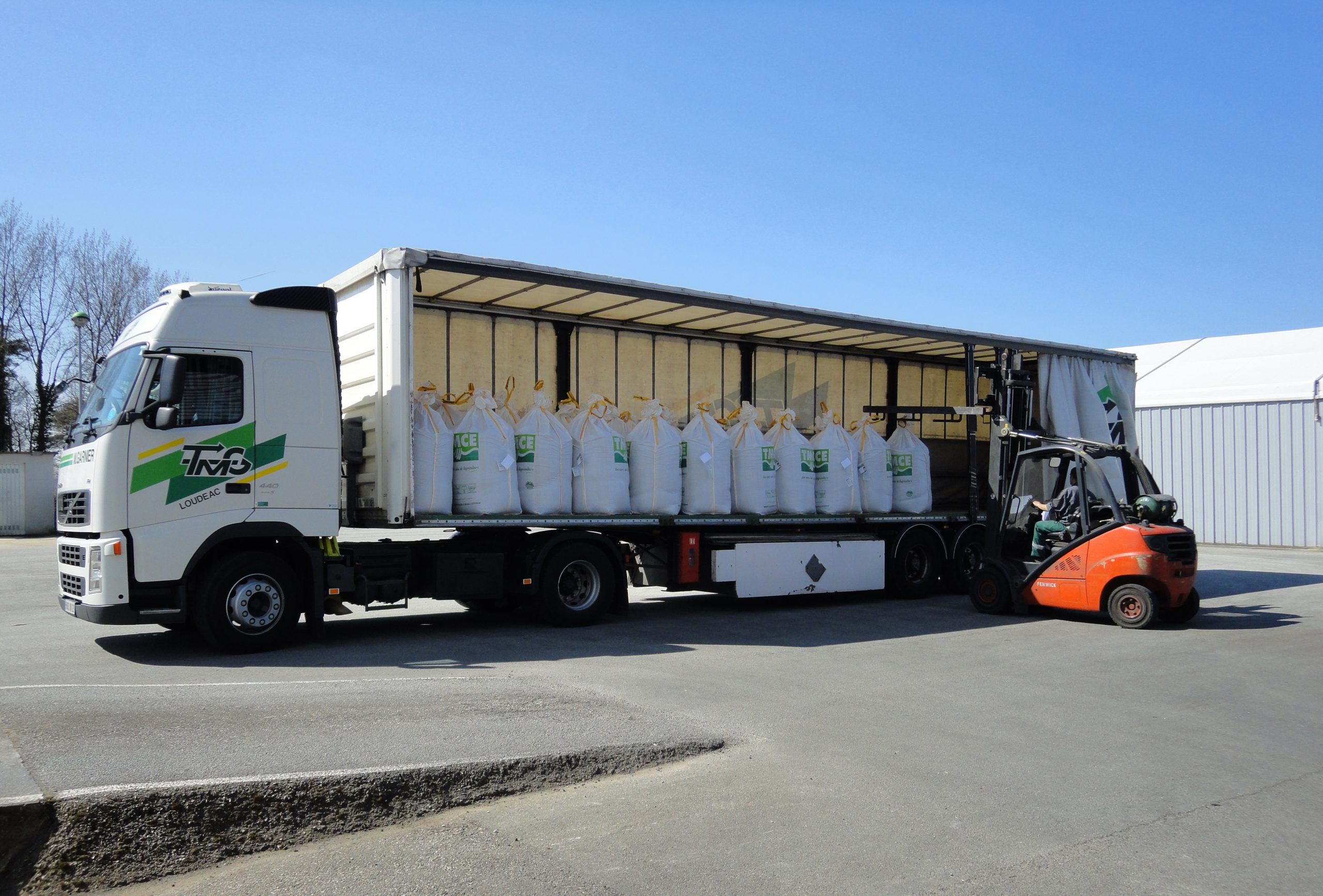 The FC standard sets requirements for storage and transport
